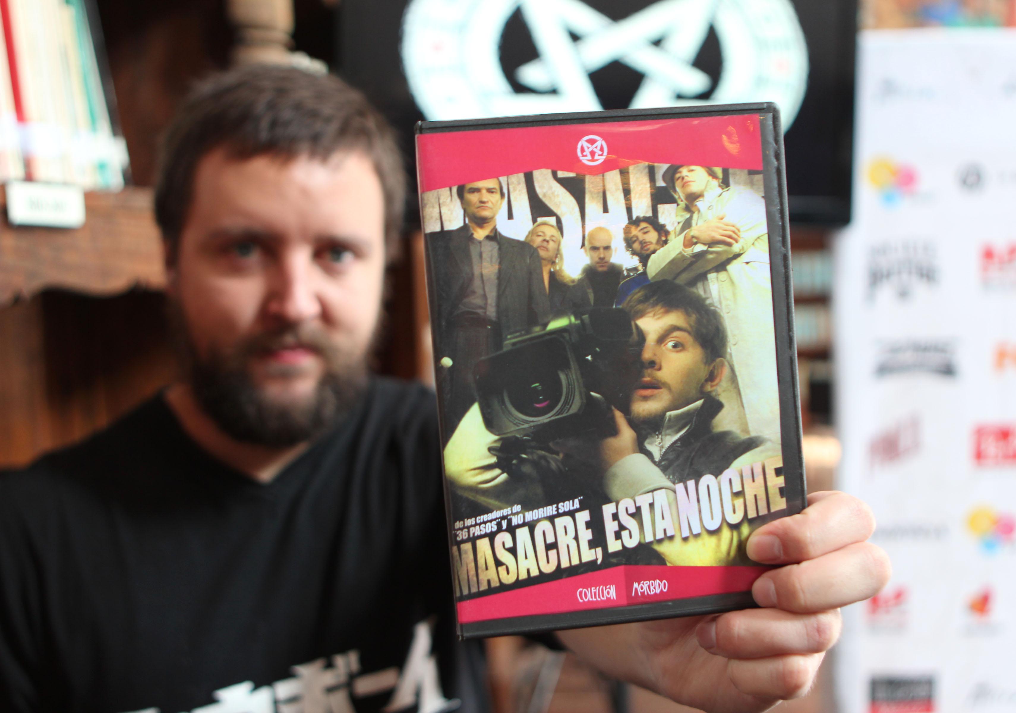 Adrián García Bogliano en el lanzamiento en DVD de Masacre, esta noche.