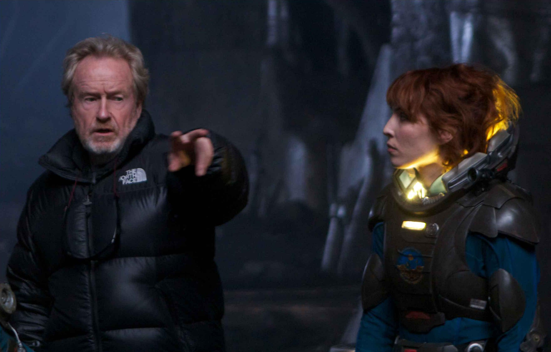 Ridley Scott y Noomi Rapace en el set de Prometheus