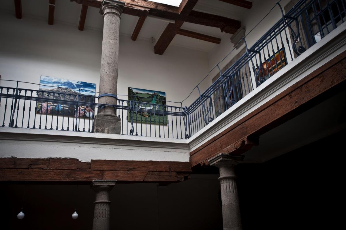 Le leyenda cuenta que, en las vigas de este antiguo edificio de la calle de Donceles, está amarrado un bule que representa una antiguoa maldición. Nosotros, la verdad, nunca lo vimos, pero si el río suena...