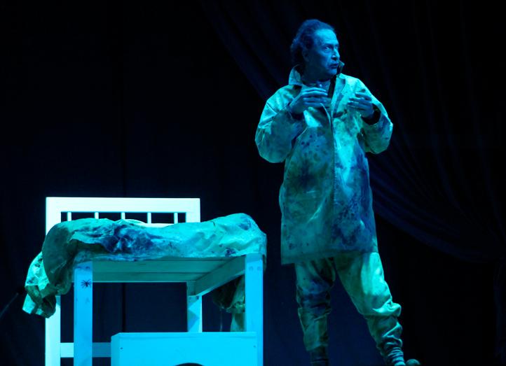 """Guillermo Henry como """"Renfield, el apóstol de Drácula"""""""