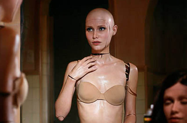 alex-garland-ex-machina-sounds-fascinating-looks-sexy-lead-in