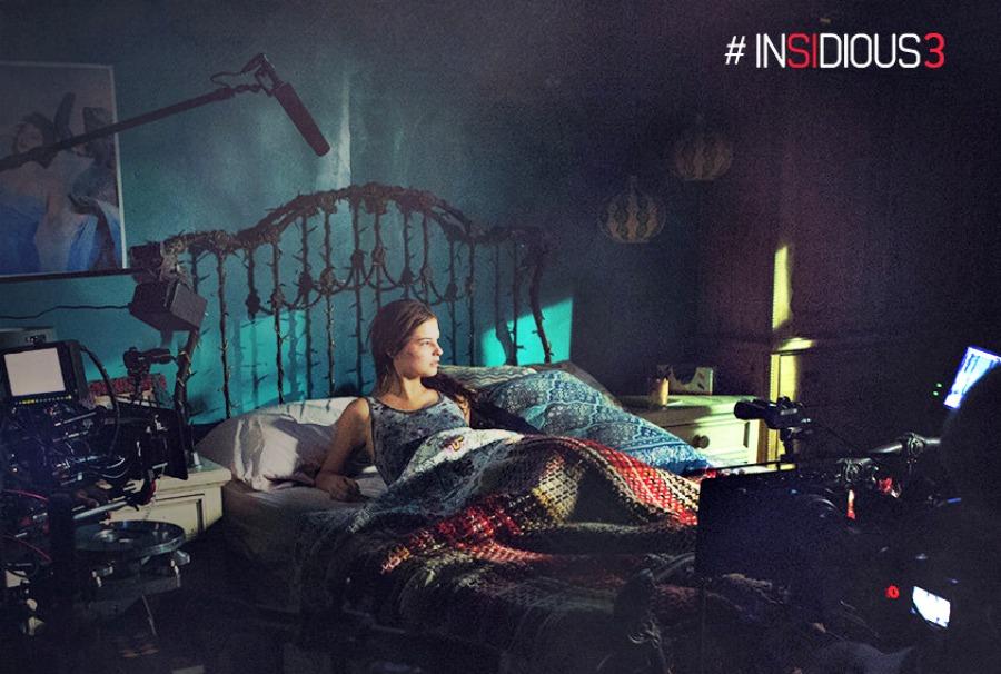 insidious-3-bed-night